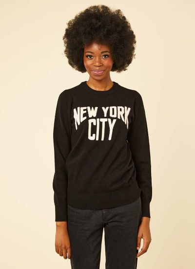 Marvin New York City Slogan Jumper Model Front