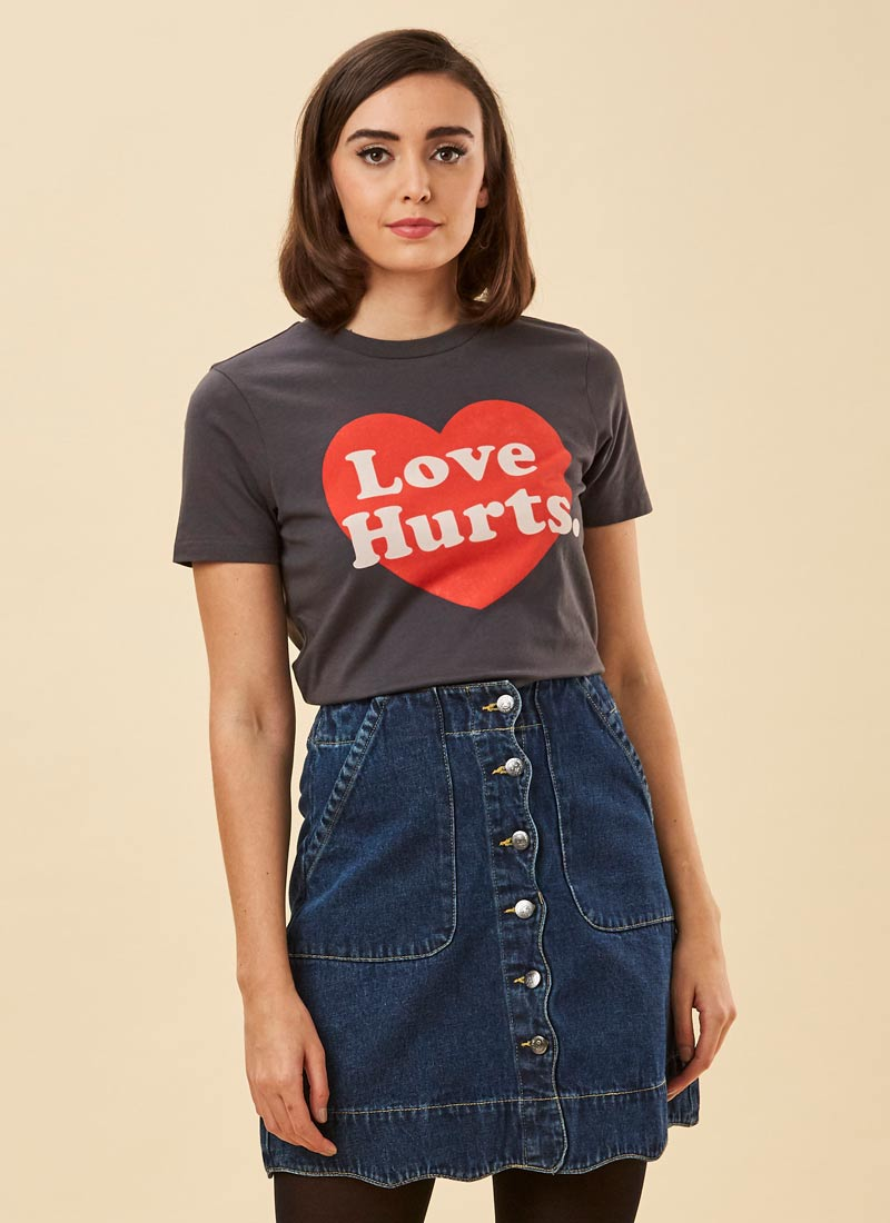 Emmylou Love Hurts Slogan Tee