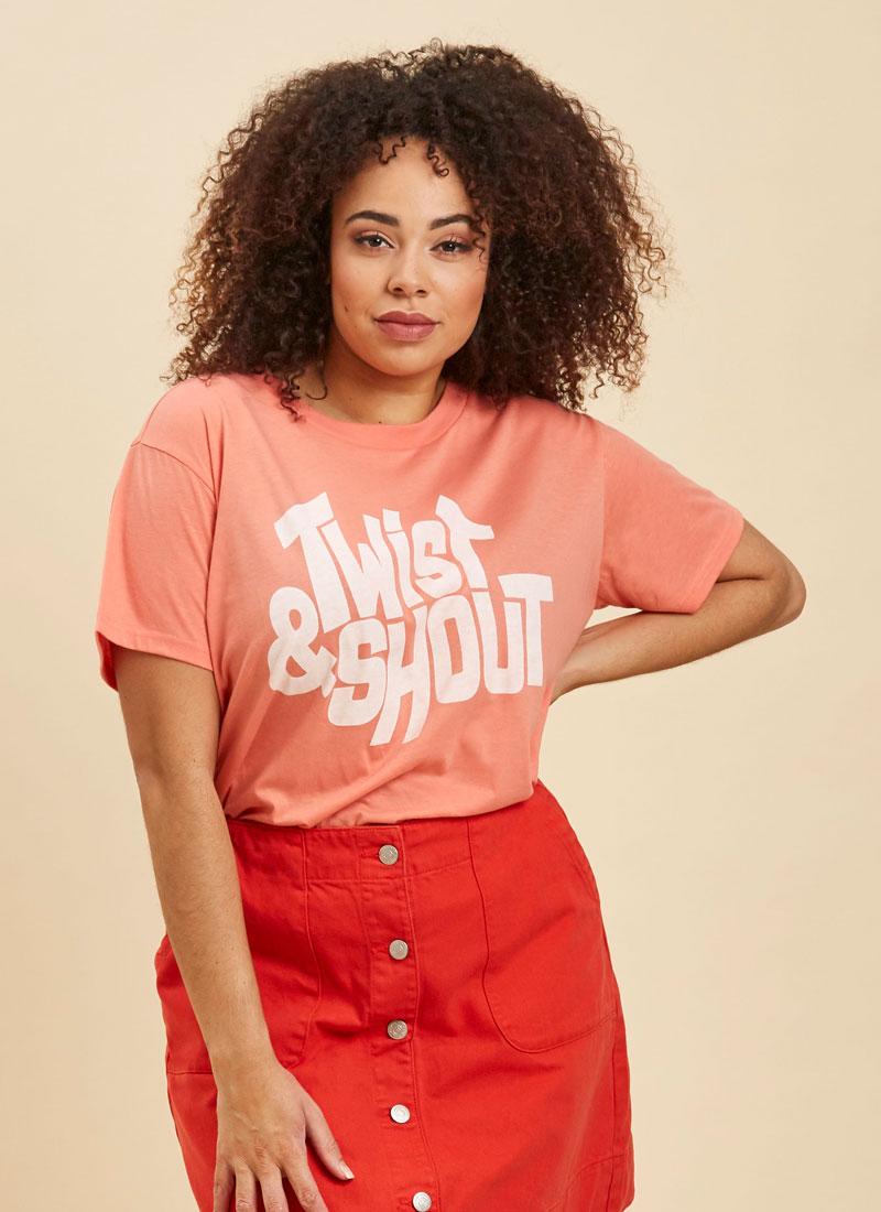 Lulu Twist & Shout Slogan Tee Close-Up