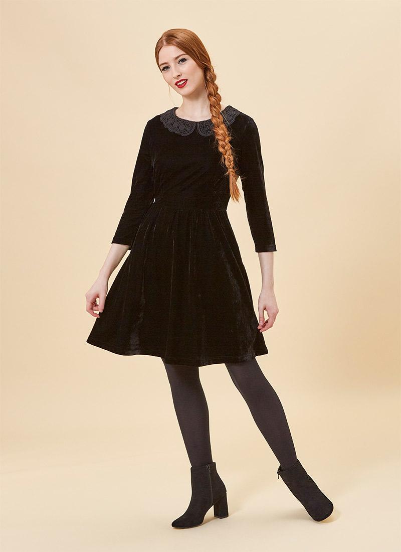 Thursday Black Velvet Crochet Collar Model Front