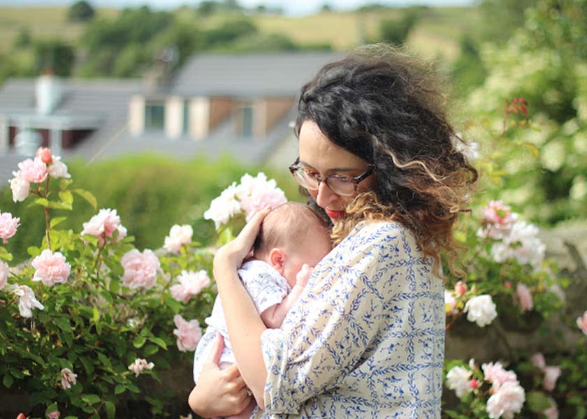 What to wear while breastfeeding